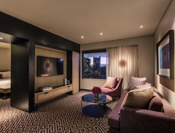 Top-10 romantic Sydney hotels