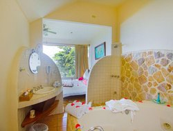 Manuel Antonio hotels with swimming pool