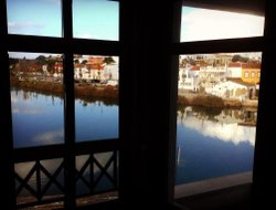 Tavira hotels with river view