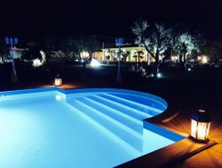 Mesagne hotels with swimming pool