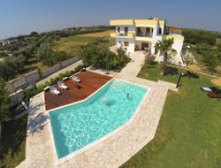 Uggiano hotels with swimming pool