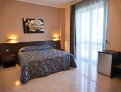 MONTE SANT'ANGELO hotels with sea view