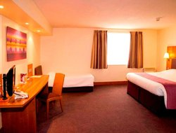 Stevenage hotels with restaurants