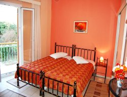 Top-4 romantic Ermoupoli hotels
