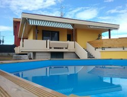 Roseto degli Abruzzi hotels with swimming pool