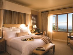Newport Beach hotels with sea view