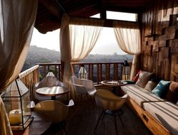 Lijiang hotels with sea view