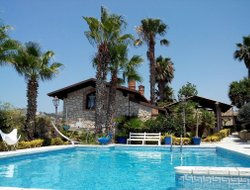 Villaggio Mose hotels with swimming pool