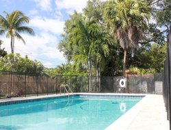 Miami Springs hotels with swimming pool
