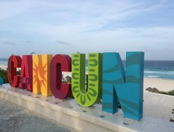 Cancun hotels with Russian personnel