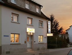 Neu-Isenburg hotels with restaurants