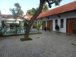 Jaffna hotels with swimming pool