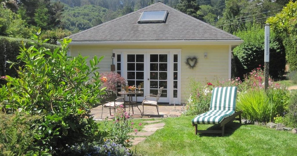 Tam Valley Bed & Breakfast