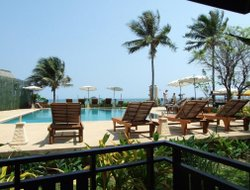 Ban Khao Tao hotels with restaurants