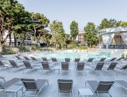Bibione hotels with swimming pool