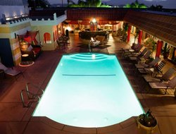 Desert Hot Springs hotels with swimming pool