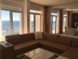 Dobra-Voda hotels with sea view