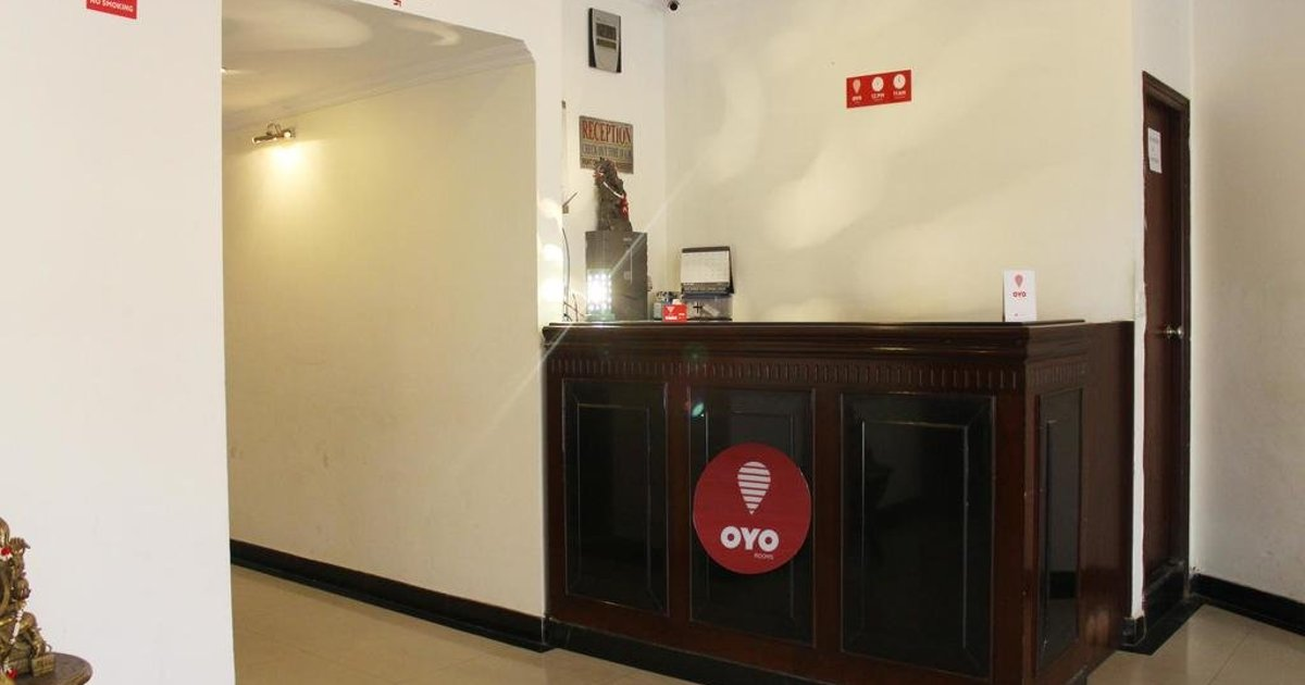 OYO Rooms Mall Road Deluxe