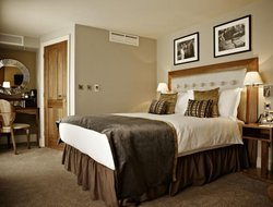 Top-5 romantic Ealing hotels
