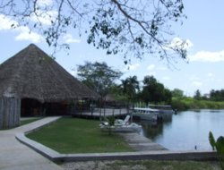 Belize hotels with river view