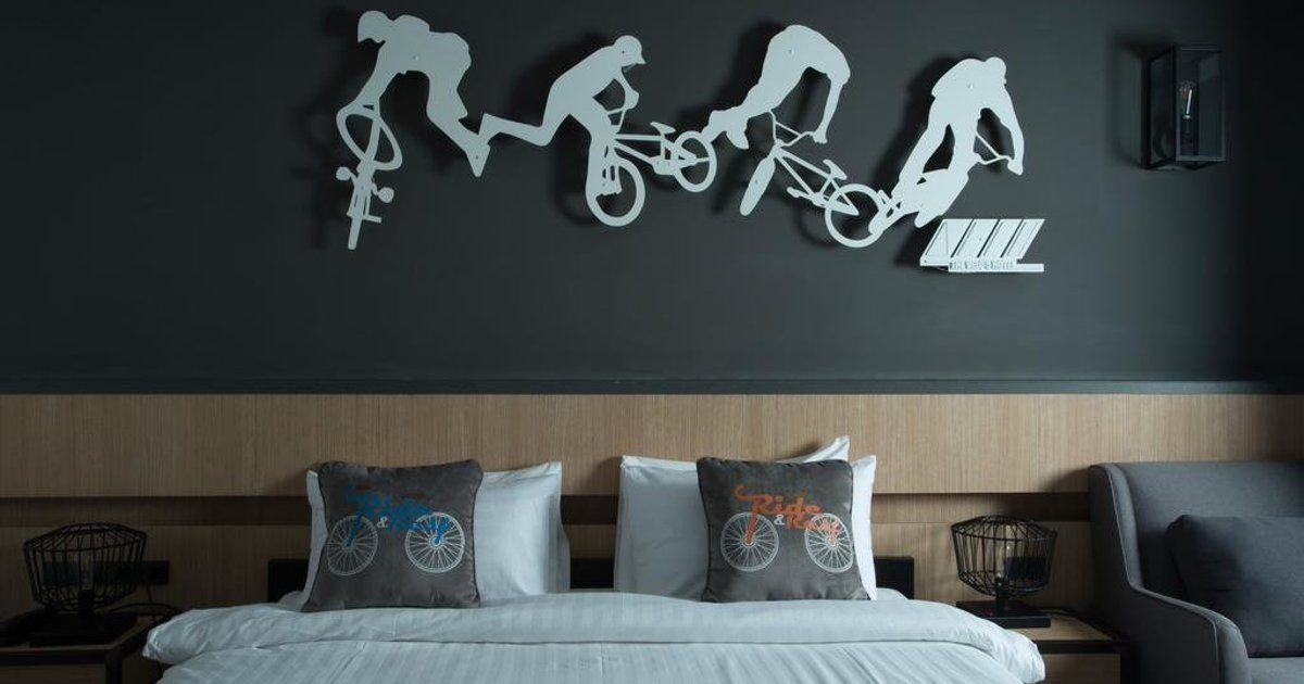 The VELO'S Hotel and Pumptrack