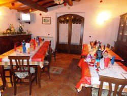 Manciano hotels with restaurants
