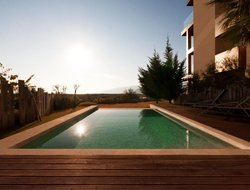 Setubal hotels with swimming pool