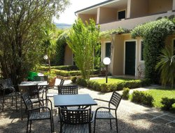 Capoliveri hotels with restaurants