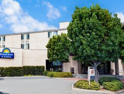 Brea hotels for families with children