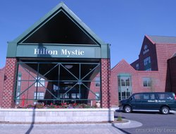 Mystic hotels with restaurants