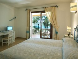 Sardinia Island hotels with lake view