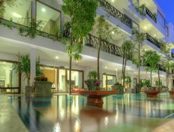 Cambodia hotels with swimming pool