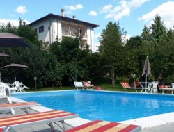 Castelnuovo di Garfagnana hotels with swimming pool