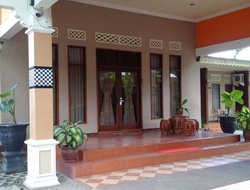 Top-3 hotels in the center of Blitar