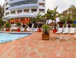 Surfside hotels with swimming pool