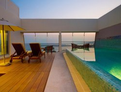 Top-8 hotels in the center of Limassol