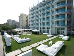 Rimini hotels with swimming pool