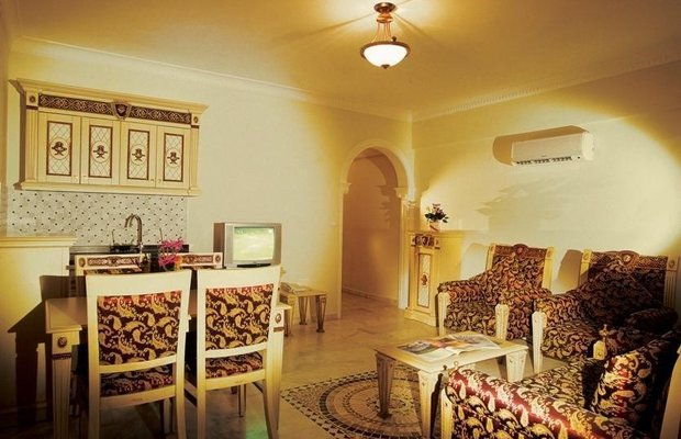 фото Orient Hotels Palace 779228974