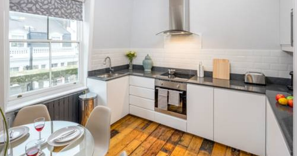 2BR Notting Hill Apartment