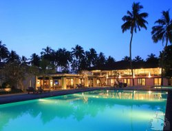 Kalutara hotels with swimming pool