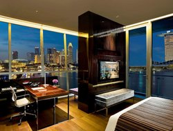 Top-10 romantic Singapore hotels