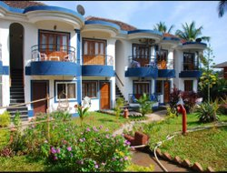 Candolim hotels with swimming pool