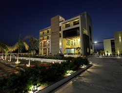 Somnath hotels with restaurants