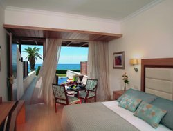Top-10 romantic Cyprus hotels
