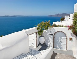 Top-10 of luxury Santorini Island hotels