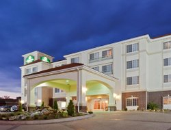 Dodge City hotels for families with children