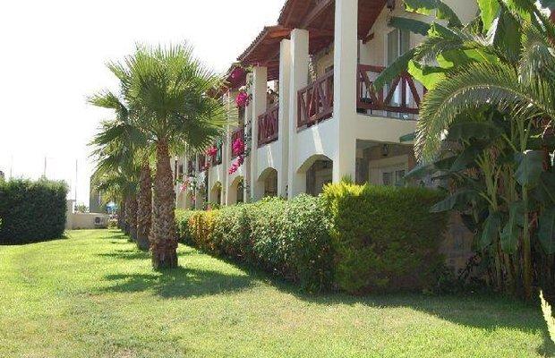 фото Serene Beach Resort 782140212