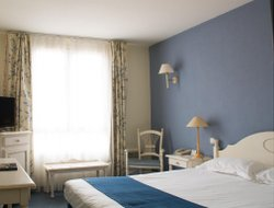 Manosque hotels with restaurants