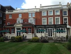 Barnet hotels for families with children
