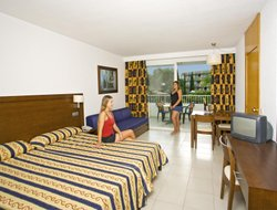 Palma Nova hotels for families with children
